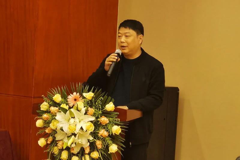 合肥市华丰印务有限公司总经理景波登台发言