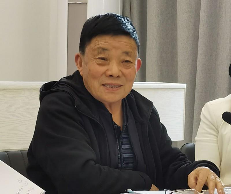 商会常务副会长李新江提出加强商会建设的意见